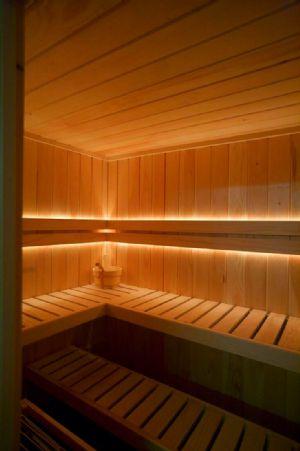 Produzione e vendita di saune finlandesi originali di alta qualità.