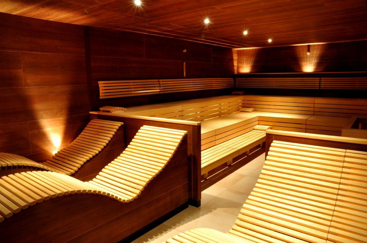 Interno di sauna ben tenuta